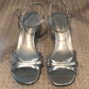 New predictions sandals silver size 7.5 women